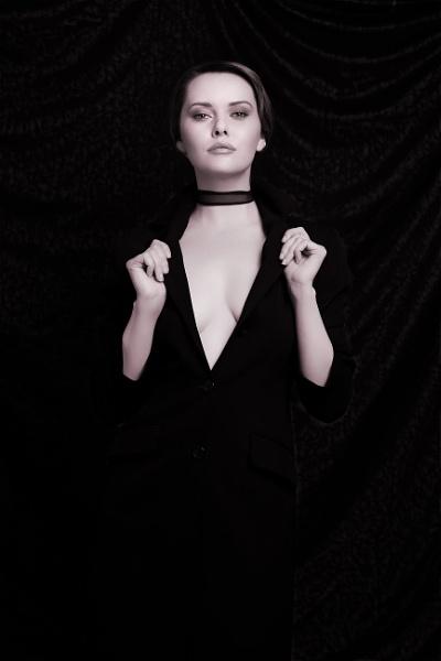 Carla Chiaroscuro by Owdman
