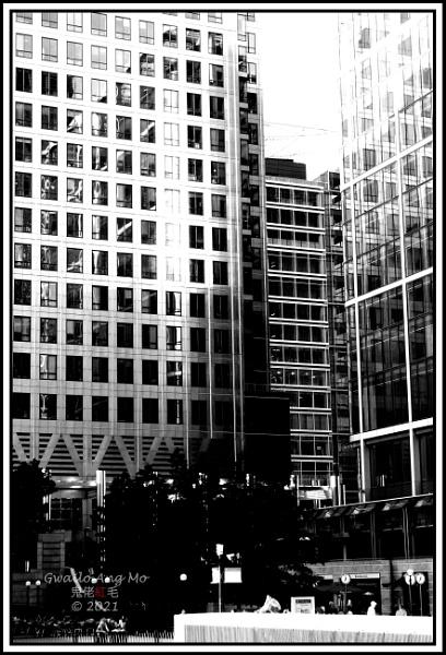 Canary Wharf (2): Reflected light by GwailoAngMo
