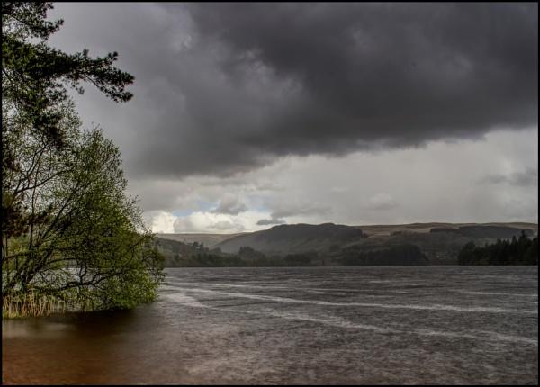 Pontsticill Reservoir by glyndwr