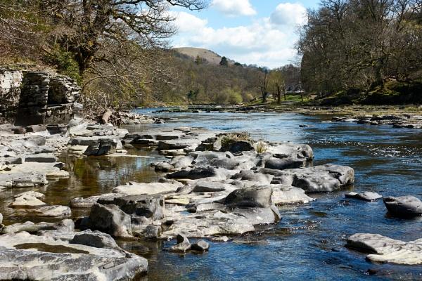 Wye Valley nr Erwood by Meditator