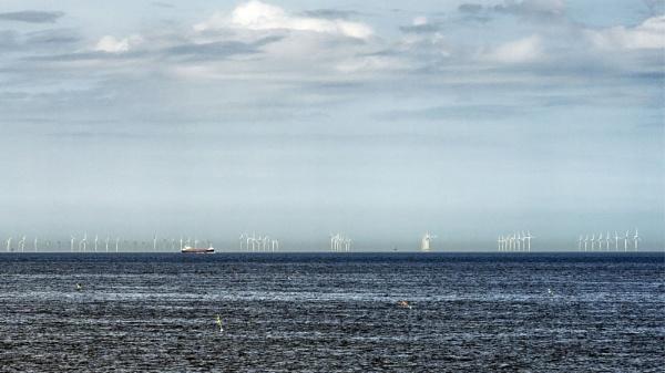 Dudgeon Offshore Wind Farm, Cromer by pdunstan_Greymoon