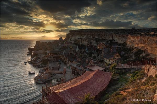 Golden Hour - Anchor Bay by Herbert_Catania