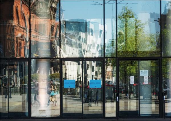 Millennium Centre reflections. by franken