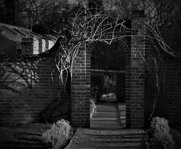 Around the archway by helenlinda