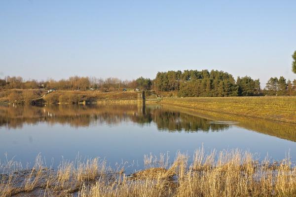 Scout Dyke reservoir by harrywatson