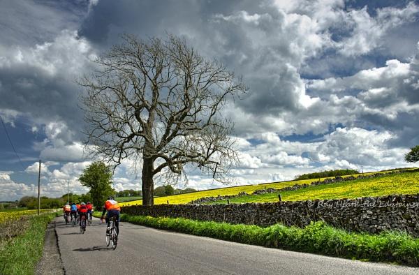 Dramatic sky for the Tour de Derbyshire by RayHeath
