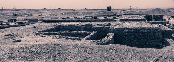 Ruins near to the pyramid of Unas by rninov