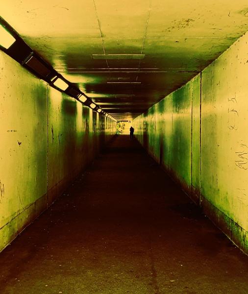 southern tunnel by stebesty