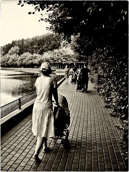 promenade by leo_nid
