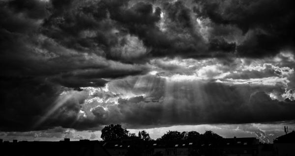 Dramatic sky by icipix