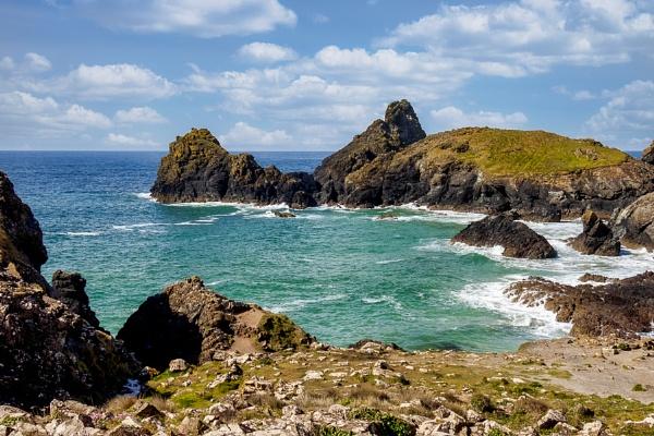 Rugged coastal scenery at Kynance Cove in Cornwall by Phil_Bird