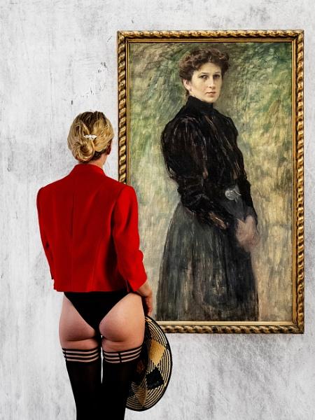 Mrs Mila Slavickova and admirer by Owdman