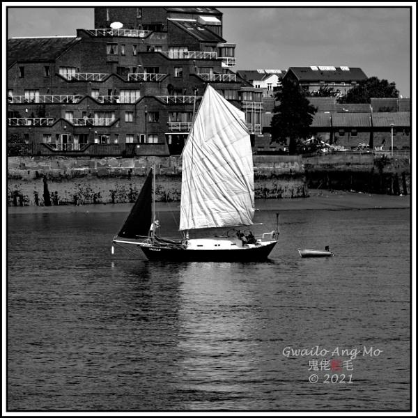 Sailing by by GwailoAngMo