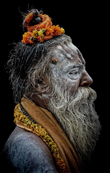 A sadhu passing through the passage of time........ by sawsengee