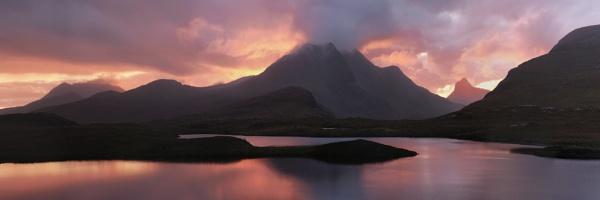 Sunset Panorama Knockan Crag by hwatt