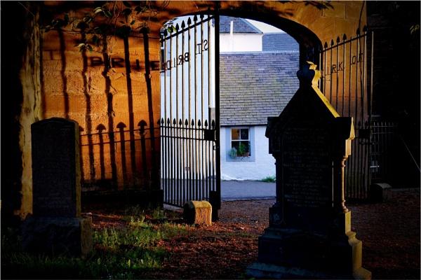 The gateway  (V2) by hsreid