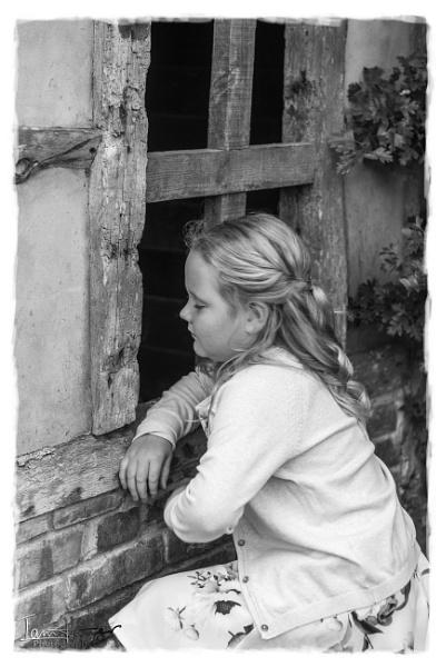 Through the square window by IainHamer