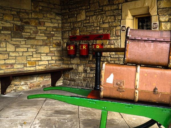 Waiting room by rockabilly
