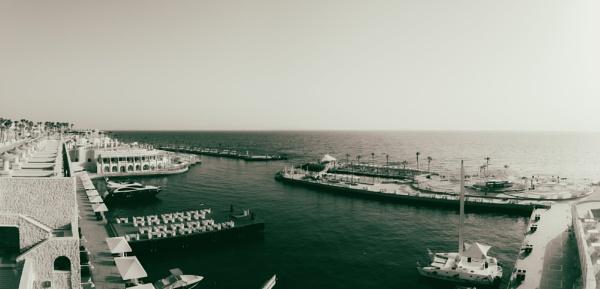 Bay of Albatros Citadel, Hurghada by rninov