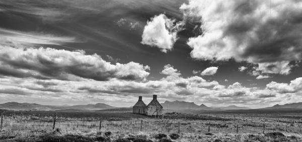Moine House by Backabit