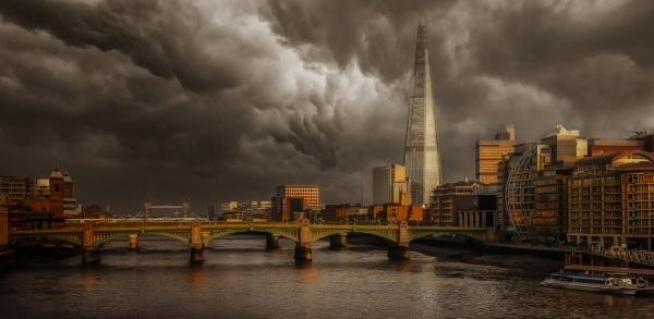 LONDON LANDSCAPE by gentry3951