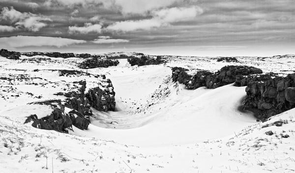 Mid-Atlantic Ridge, Iceland by pdunstan_Greymoon
