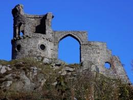 mowcop castle
