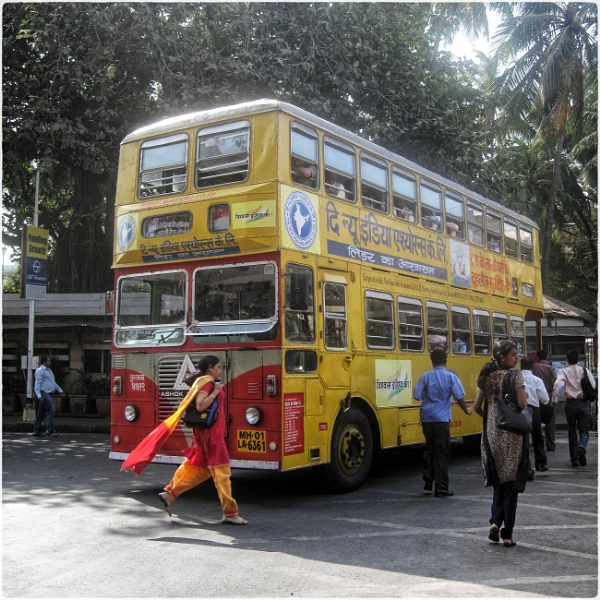 Bombay Buses by jacomes
