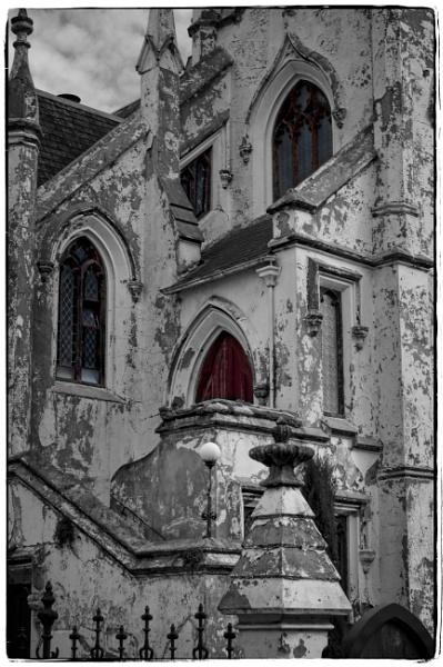 crumbling gothic by pax2u2