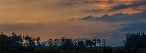 Sunset at Burrator, Dartmoor by Snaphappyannie