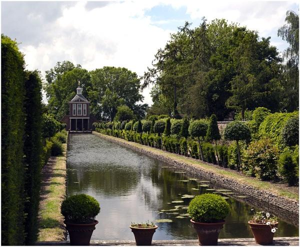 Westbury Court Water Gardens by Janetdinah