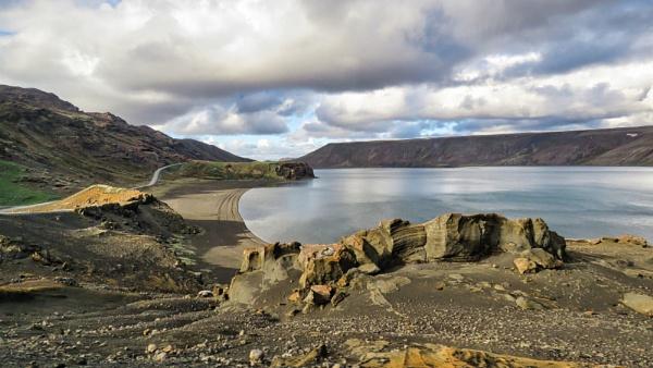 Kleifarvatn Lake by TheURL
