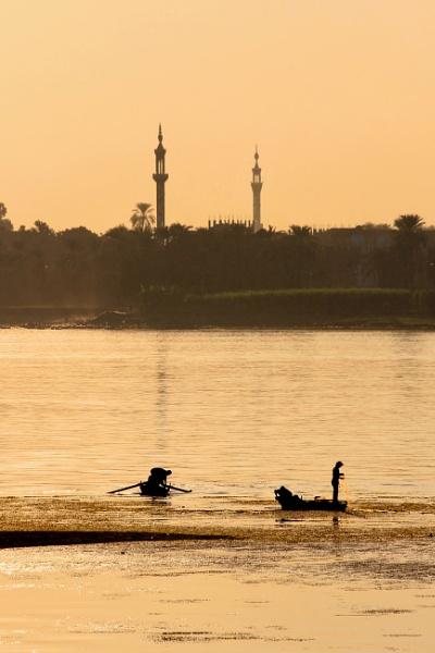 Nile fishermen by Ffynnoncadno