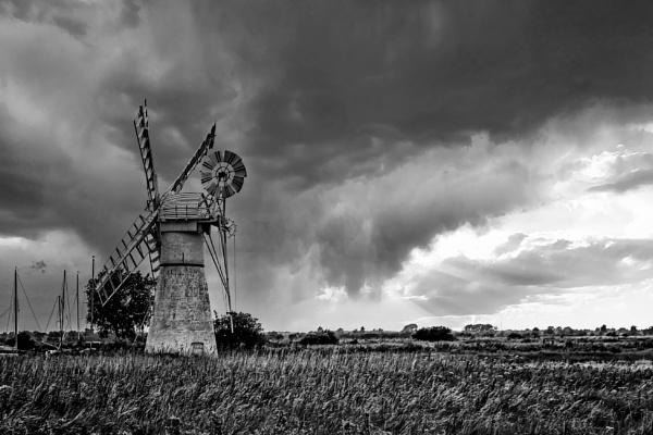 Thurne Windpump by Ffynnoncadno