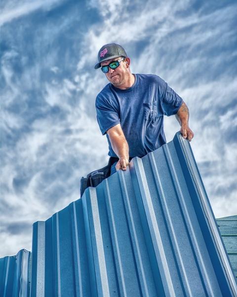 Roof worker by jbsaladino
