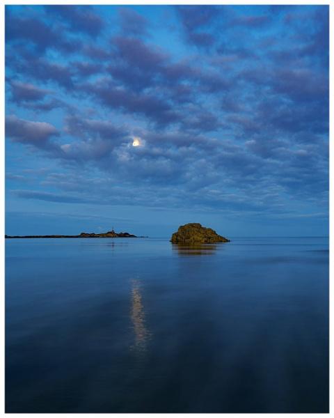 St Aubins Bay by happysnapper