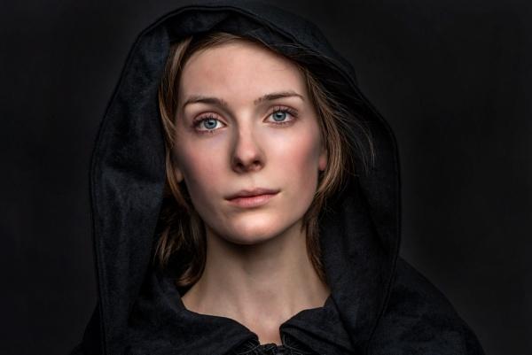 Nicole portrait by Ahem