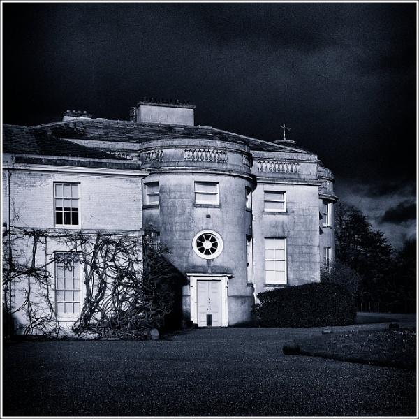 Spooky House by fredsphotos