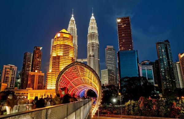 Kuala Lumpur blue hour 2 by sawsengee