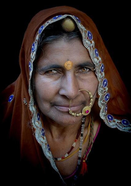 Rajasthani woman 2 by sawsengee