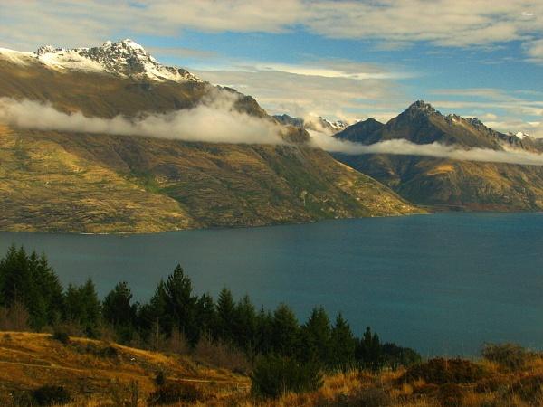 Lake Wakatipu 32 by DevilsAdvocate