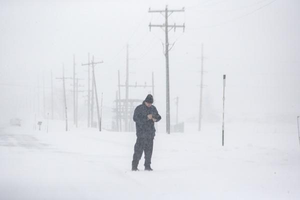 Blizzard in Idaho by rontear