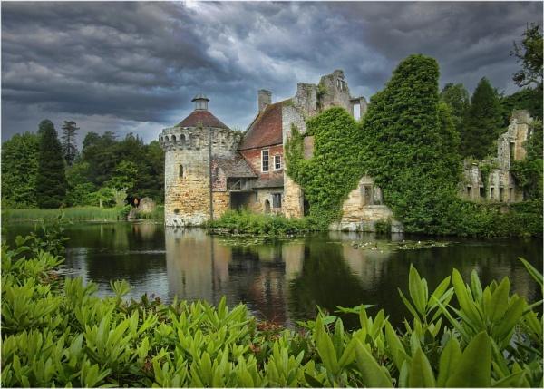 Wife\'s Scotney Castle by Robert51