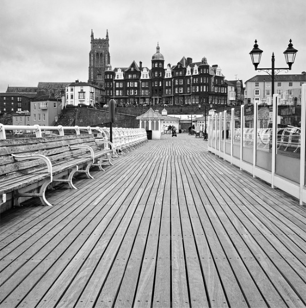 Cromer from the pier by pdunstan_Greymoon
