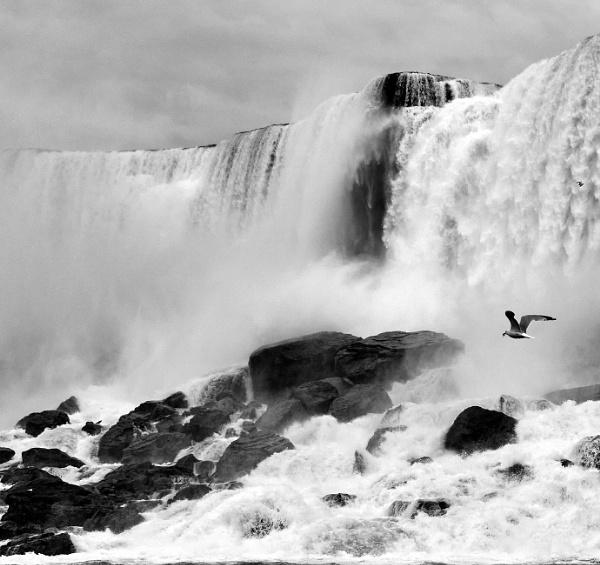 Niagara Falls by Uenocats