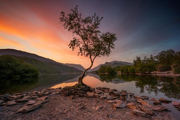 Llyn Padarn Lake, Llanberis North Wales by J_Tom