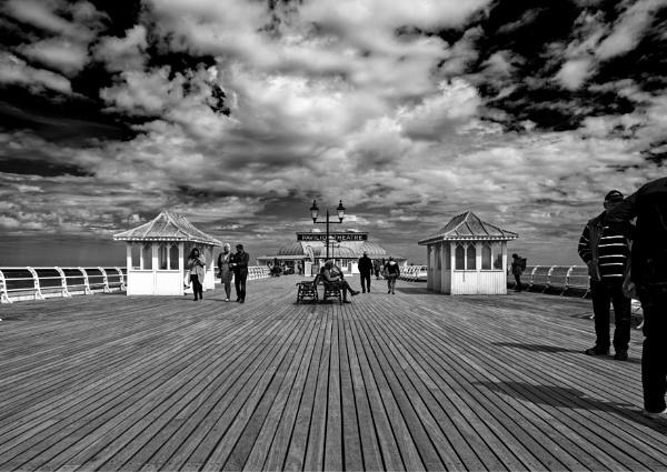 Cromer Pier by pdunstan_Greymoon