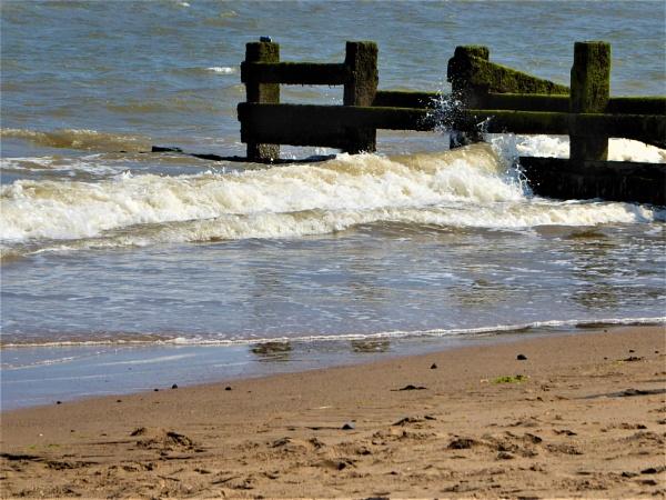 wave breaker by jenny007