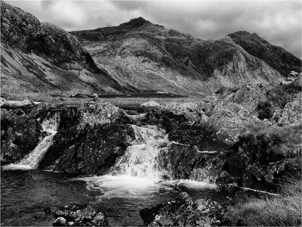 Scafell Pike from Upper Eskdale by fredsphotos
