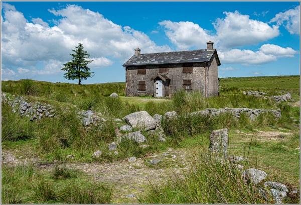 Nun\'s Cross Farmhouse by DTM